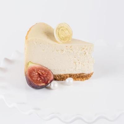 Baked_Cheesecake_slice_grande