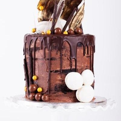 DBC drizzle drip cake